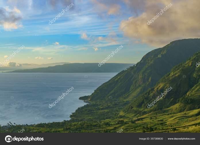 Sunrise Massive Lake Toba Caldera Supervolcano Landmark Location North Sumatra Stock Photo C Feisas Gmail Com 357389630