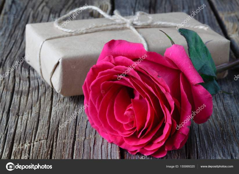 Love Romantic Single Red Rose Path Decorations Pictures Full