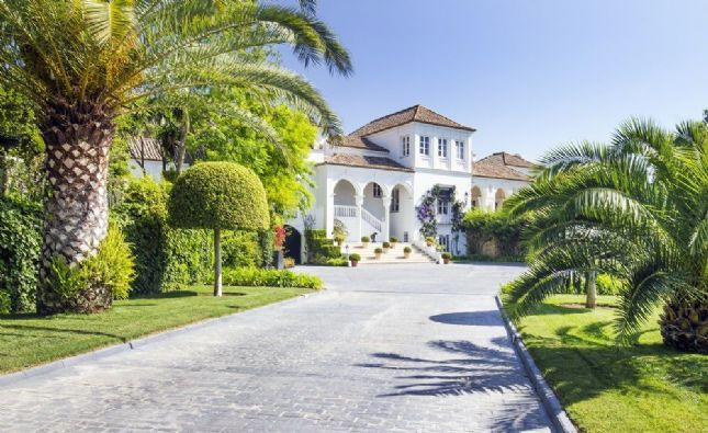 Casa Manzana en Sotogrande, a la venta por 15 millones de euros. / Savills