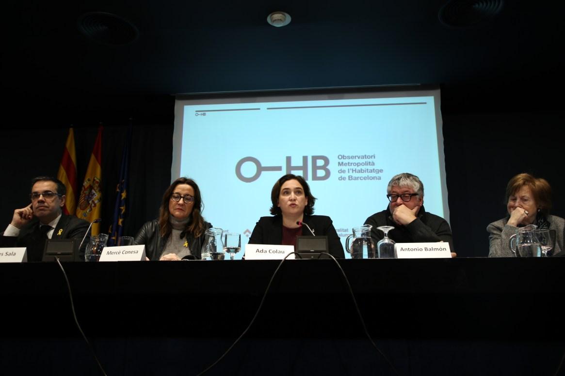 Los principales representantes de las administraciones implicadas en el estudio del Observatorio. / Observatori de l'Habitatge de Barcelona