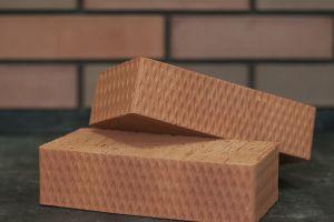 полнотелый керамический кирпич строительный
