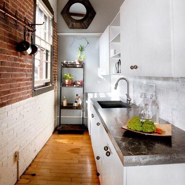 дизайн узкой кухни с окном в конце 6