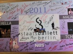 Die SBB-Autogrammwand.