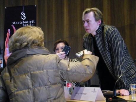 Nach der Konferenz beantwortete Vladimir noch die Fragen der Journalisten.