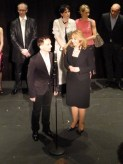 Einer der Choreographen, Vasily Medvedev, mit Übersetzerin Yulia Ludwig.