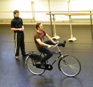 Sacha Males und Aymeric Mosselmans (auf dem Rad).