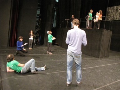 Profis und Laien gemeinsam auf der Bühne.