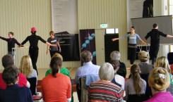 Mit Lisa Breuker, Nicoletta Manni, Gevorg Asoyan, Sacha Males sowie Lynn Wallis und Jonathan Still (Klavier) von der Royal Academy of Dance.