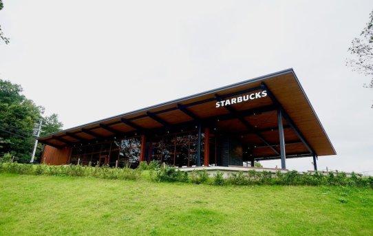 スタバ 奈良鴻ノ池運動公園店はロケーションやばしの特別店