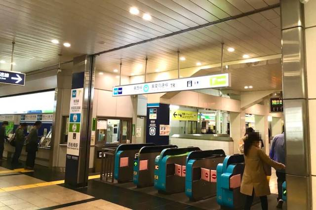 西船橋駅 改札 南口側
