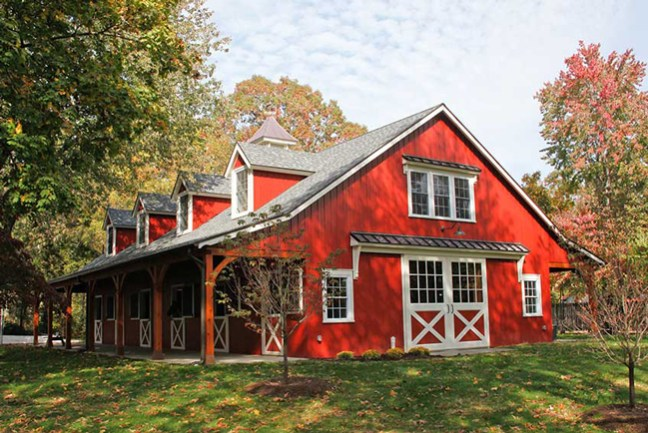 6 beautiful red horse barns stable style for Barns with apartments above