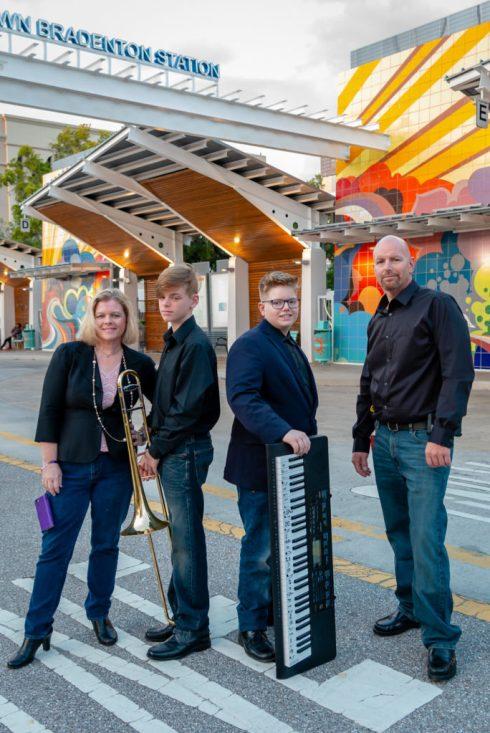 Artistic Family Photo at the Downtown Bradenton Statation