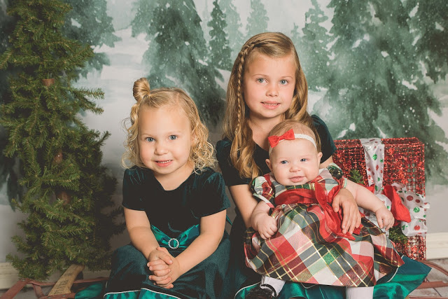 Jaggi Christmas Mini | Logan Utah Photographer