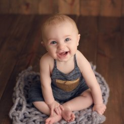 Vaughn – 6 Month Milestone Session