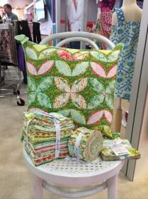 Garden Grows PIllow -Modern Quilts Unlimited Spring 2015