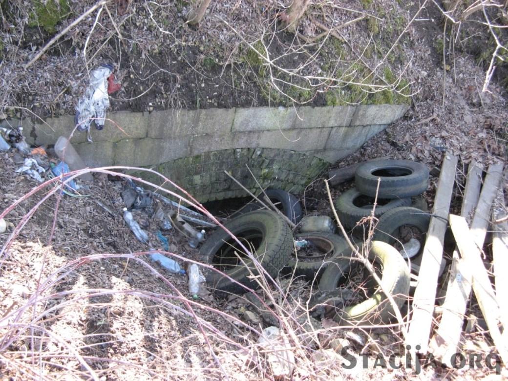 Sarkandaugava zem dzelzceļa pārvada