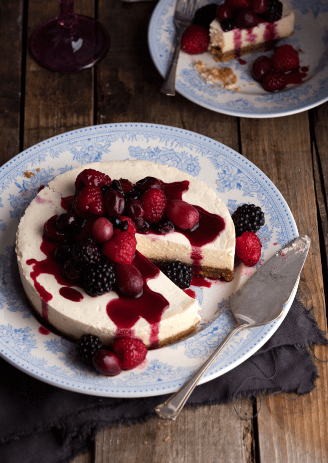 Raspberry and blackberry cheesecake