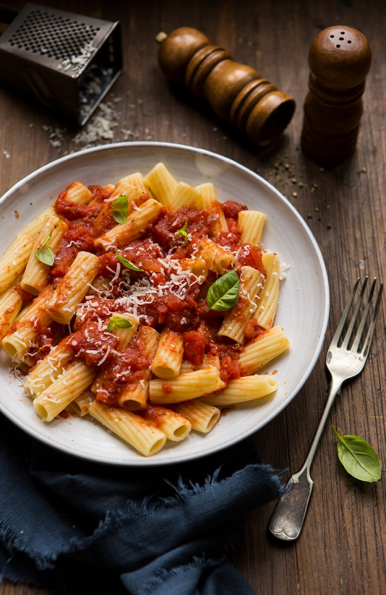 Tomato and Basil sauce | Stacy Grant Photography