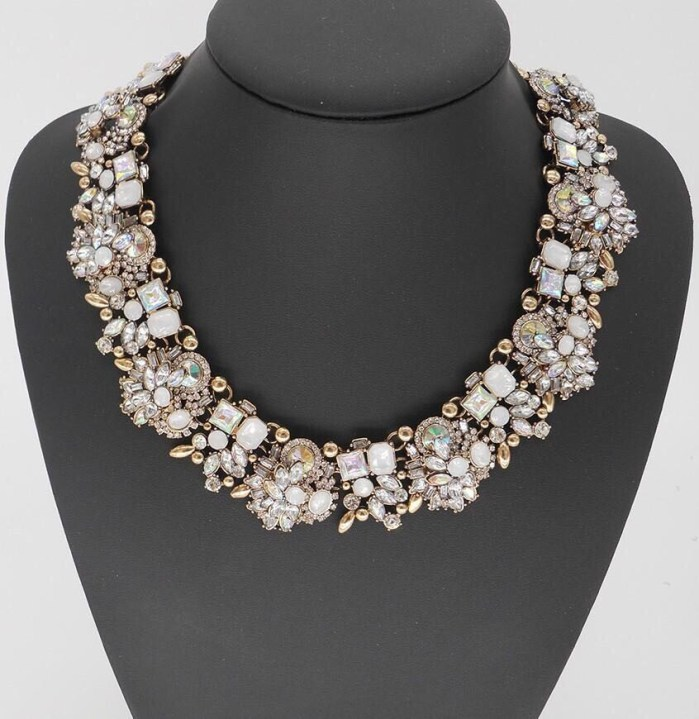 Bib crystal necklace