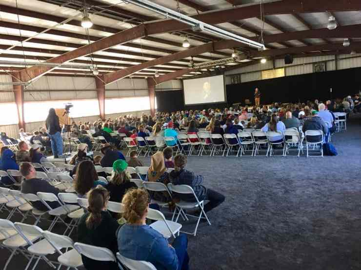 A shot of the crowd during Stacy Lyn's presentation at the Homesteaders of America Conference