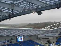 The stadium roof dips revealing the Southdowns beyond (photo: Stadiafile)