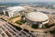 Houston Astrodome foreground NRG Stadium background (Photo: Houston Chronicle Smiley N. Pool)