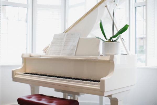 Städjätten pianoflytt