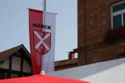 Fahne der Partnergemeinde Marck in Frankreich