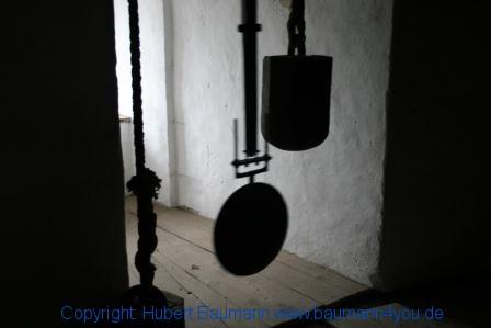 Burg Hohenwerfen Wehrturm mit Uhrwerk 002