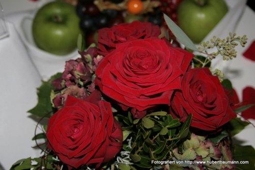 Relexa Waldhotel Schatten Blumenarrangement