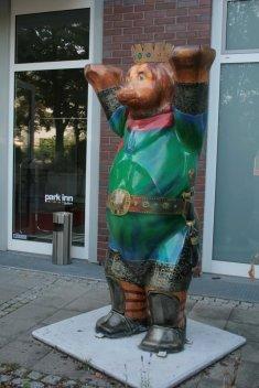Überall Bären - auch vor unserem Hotel