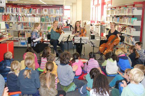 von links: Sidonie Riha, Violine; Simone Roggen, Violine; Ada Meinich, Viola; Birgit Böhme, Violoncello