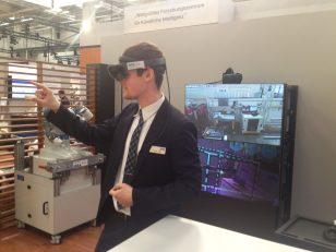 Und in Saarbrücken fährt ein Roboter durchs Labor...