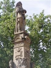 Das Jan-von-Werth-Denkmal auf dem Kölner Altermarkt