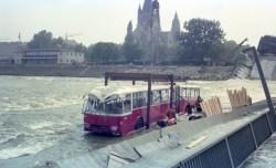 Bergung des GU 230, Nr 8084 von der eingestürzten Reichsbrücke, August 1976