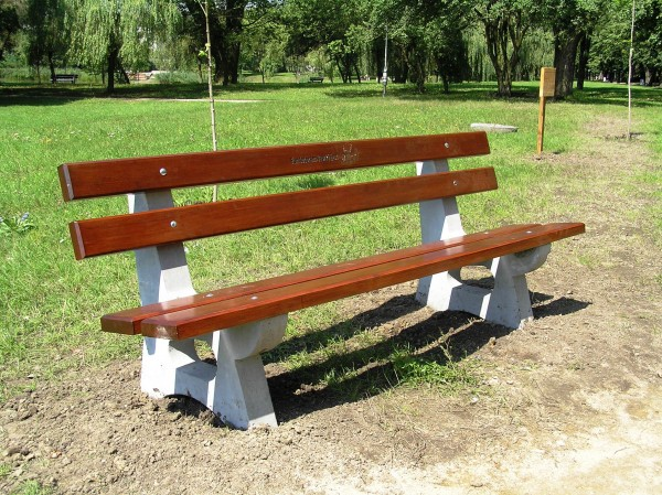 Sitzbank aus Beton L-11a
