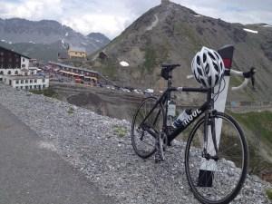 Blick auf die Passhöhe vom Gasthof Tibet