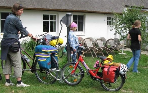 FollowMe an einem Kinderrad auf einer Fahrt nach Usedom    Link