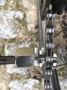 Kettennieter an Fahrradkette
