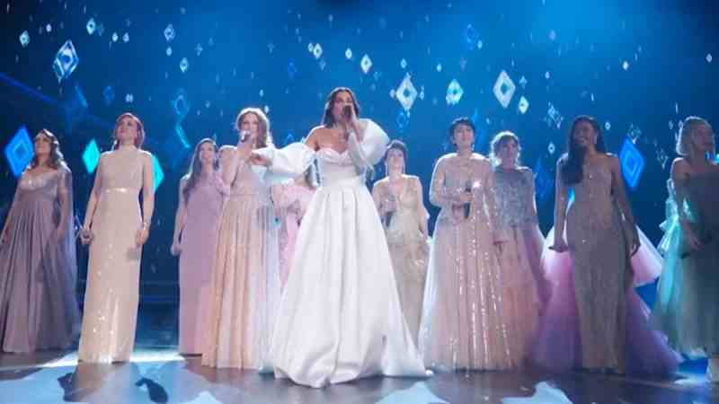 Idina Menzel into the unknown