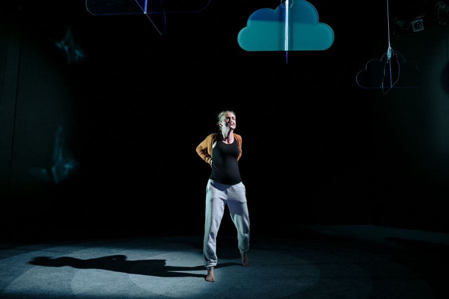 Sophie Melville (Nina) in Mum by Morgan Lloyd Malcolm. Photo by The Other Richard. (2)