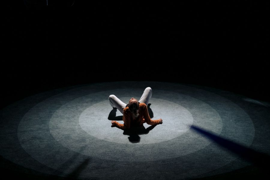 Sophie Melville (Nina) in Mum by Morgan Lloyd Malcolm. Photo by The Other Richard. (3)