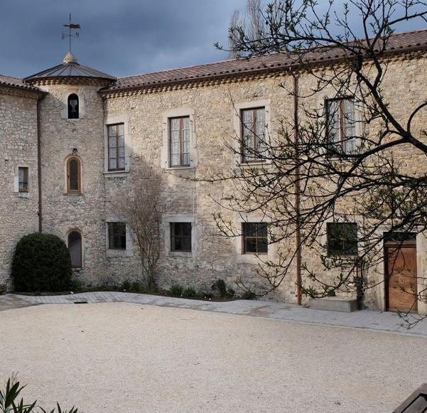 cour intérieur monastère saint croix