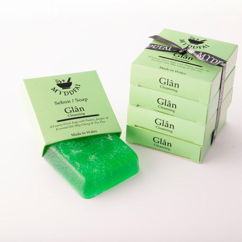 Glân Gardeners soap with pumice