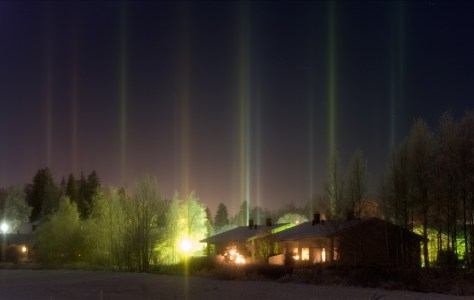 A photograph showing light pillars at Tampere in Finland.