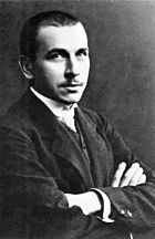 A 1910 black and white photographic portrait of Alfred Wegener.