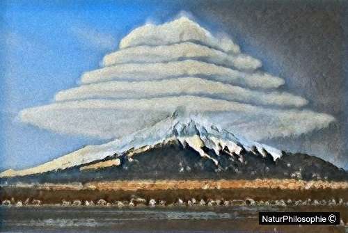 "An oil painting depicting ""pile d'assiettes"" (or pile of plates) clouds over Mount Fuji in Japan. Artwork: NaturPhilosophie"