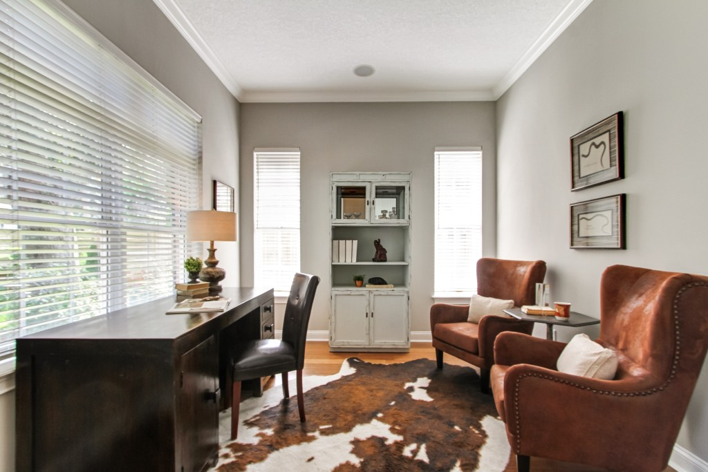 using odd shaped rugs in home staging