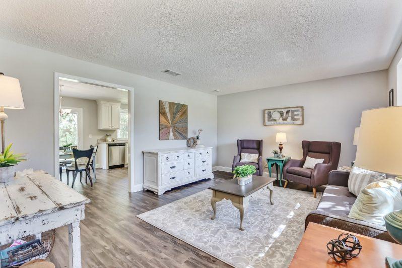 Explore this livingroom in our virtual walkthrough!
