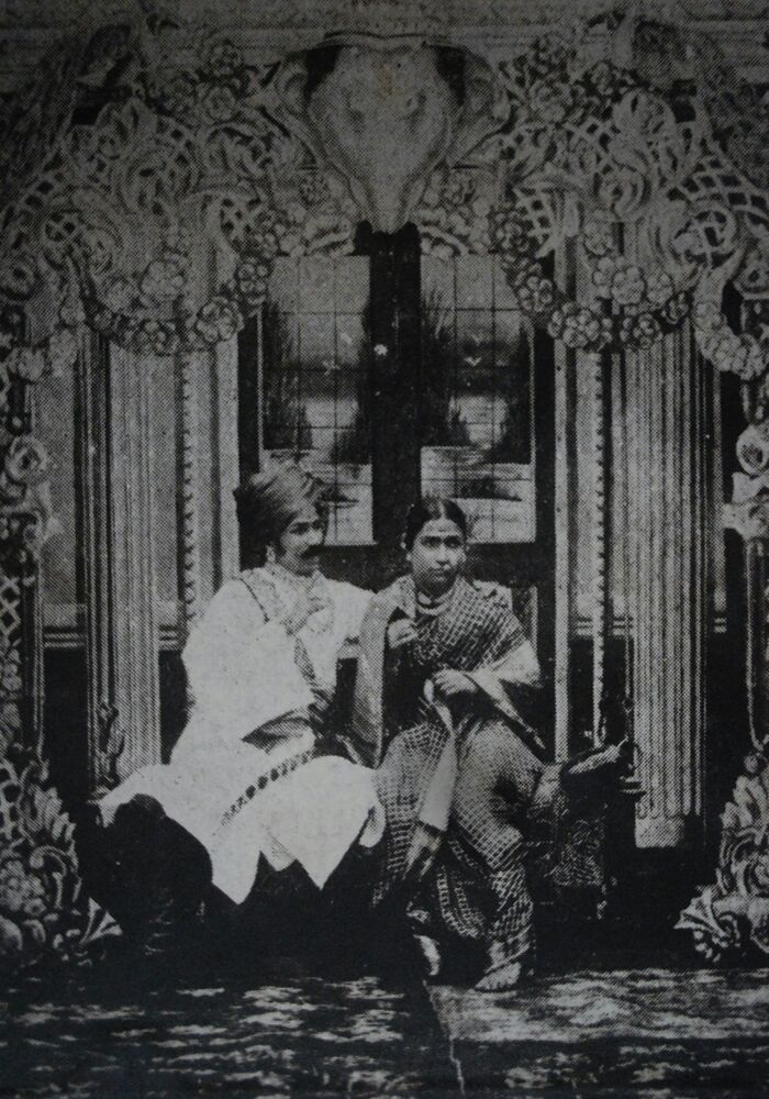 Yashwantrao Tipnis and Madhavrao Tipnis, in the 1909 play 'Bhaubandaki.'